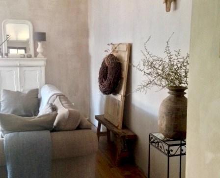 Lange muur woonkamer