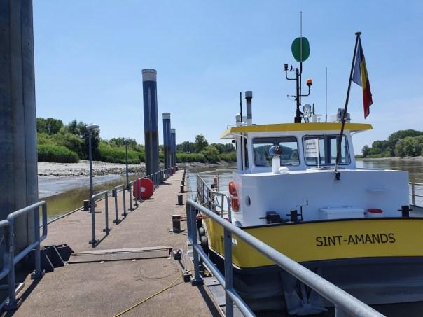 De veerboot. Typisch Scheldeland en altijd avontuur.