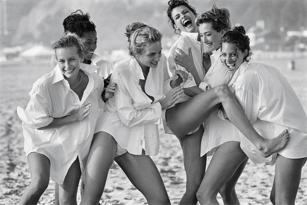 Birth of the supermodels: (from left) Estelle Lefébure, Karen Alexander, Rachel Williams, Linda Evangelista, Tatjana Patitz and Christy Turlington, Malibu, 1988. Image courtesy of Peter Lindbergh, Paris/Gagosian Gallery.