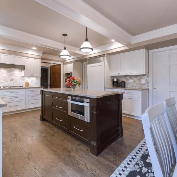 When considering a kitchen renovation, it's important to know your Design Plan and budget. We work with our customers to create beautiful kitchens that fit their needs and budge.