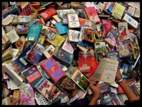 Daryaganj's Sunday book market