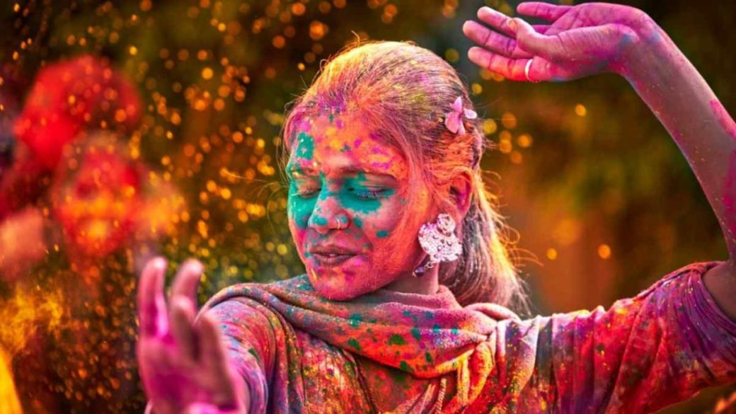 Here Is A List Of 5 Amazing Holi Parties Happening In Town!