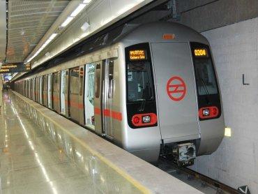 Metro Services Start At 4 A.M. On Oct 31 DforDelhi
