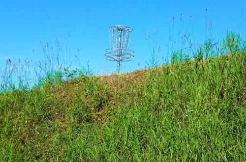 disc golf hill putting