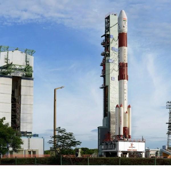 इसरो ने सफलतापूर्वक लॉन्च किया पीएसएलवी सी-35, आठ उपग्रहों को लेकर रवाना