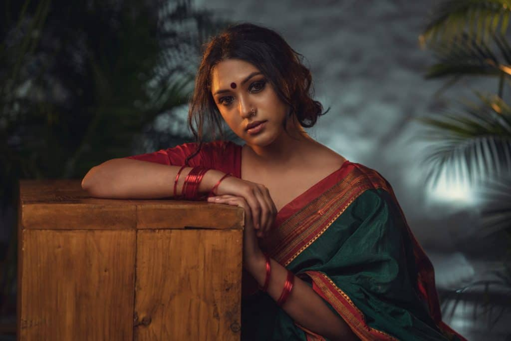 Why You Should Purchase Sarees Online