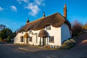 thatched holiday cottage near weymouth