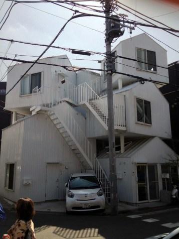 Tokyo Apt 00