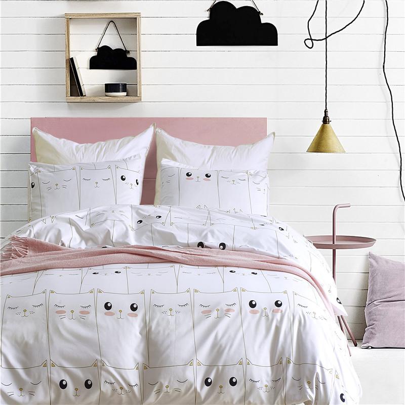 cute white kitten pattern pillowcase 2