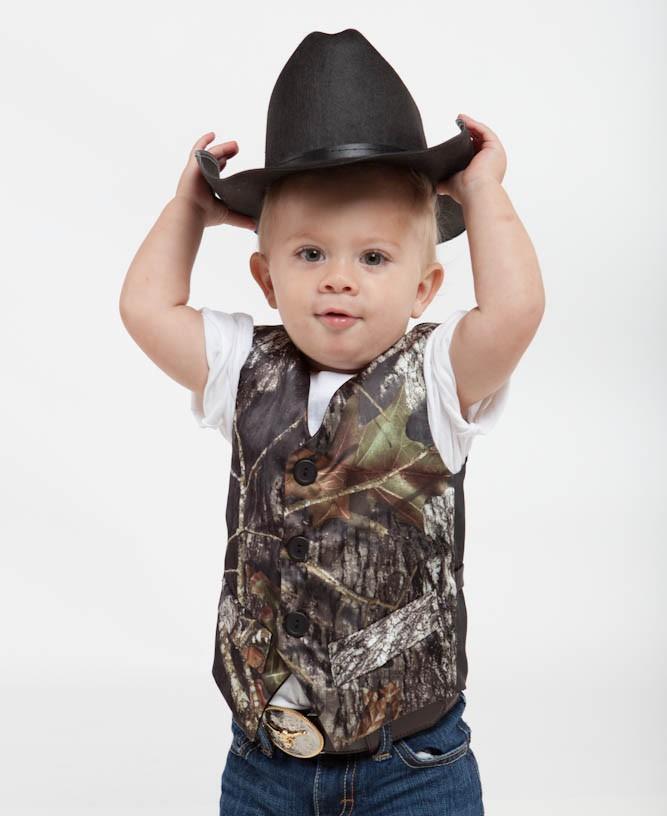 2016 Cute Camo Boys Formal Vest Suits V Neck Sleeveless