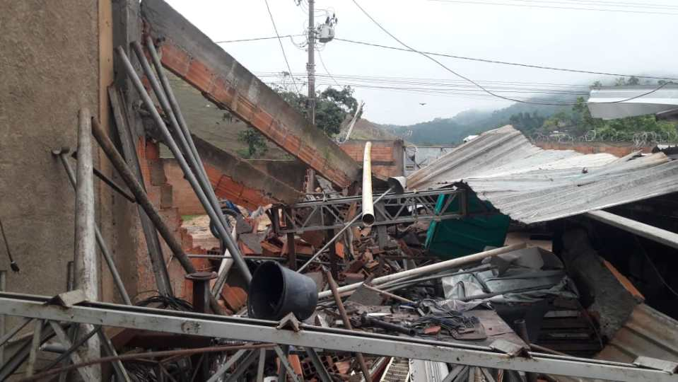 Temporal causou estragos em Guaçuí - Fotos: redes sociais