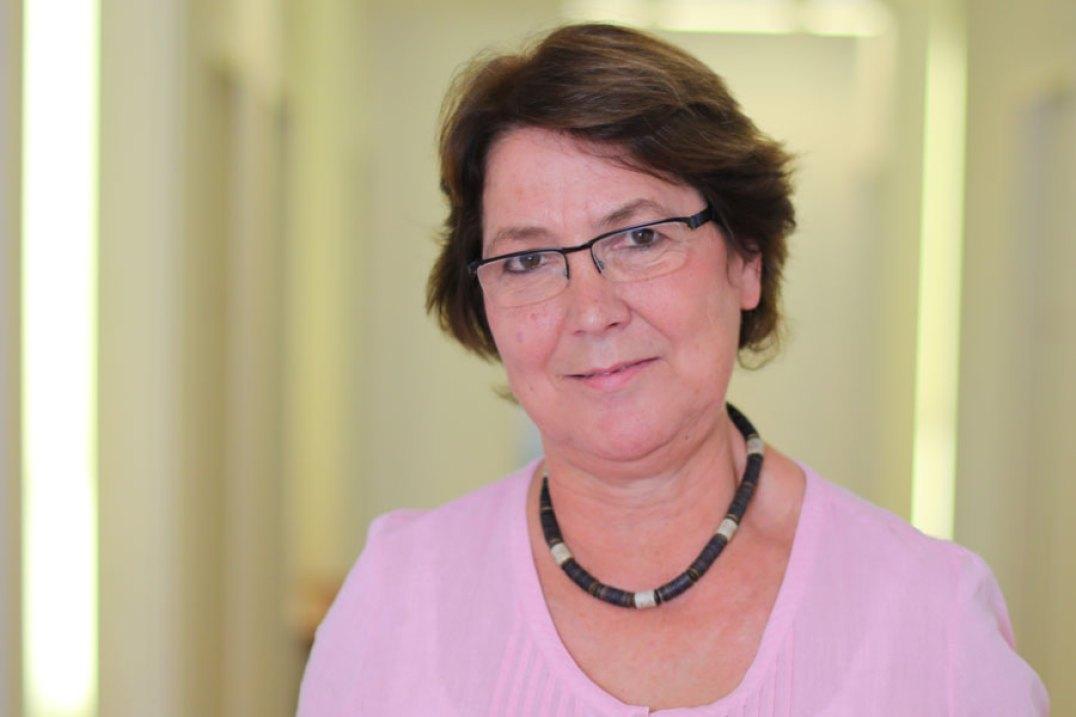 Dr. Annemarie Voll