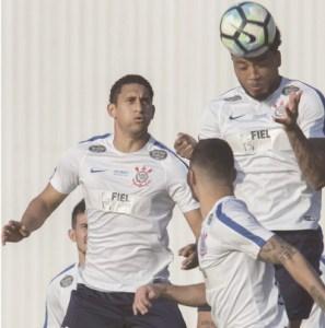 Pablo volta à zaga e Kazim entra no comando do ataque. Foto: Daniel Augusto Jr./Agência Corinthians