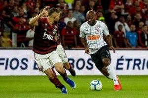 Flamengo bate Corinthians de novo e avança na Copa do Brasil