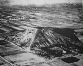 Η Λευκή Πυραμίδα της ερήμου Τάκλα Μακάν στην Κίνα