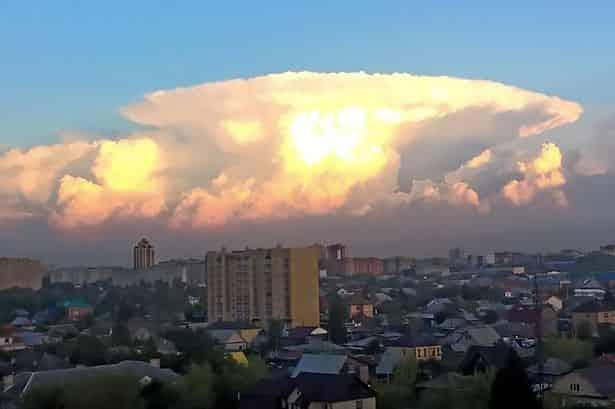 """""""Πυρηνικά"""" Σύννεφα στον Πλανήτη"""