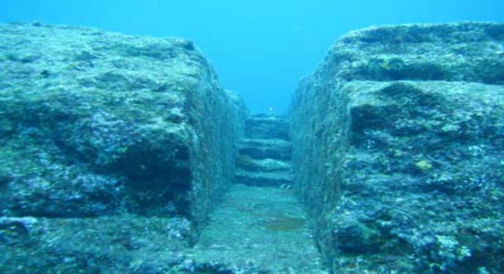 βυθισμένο μνημείο Yonaguni-Jima