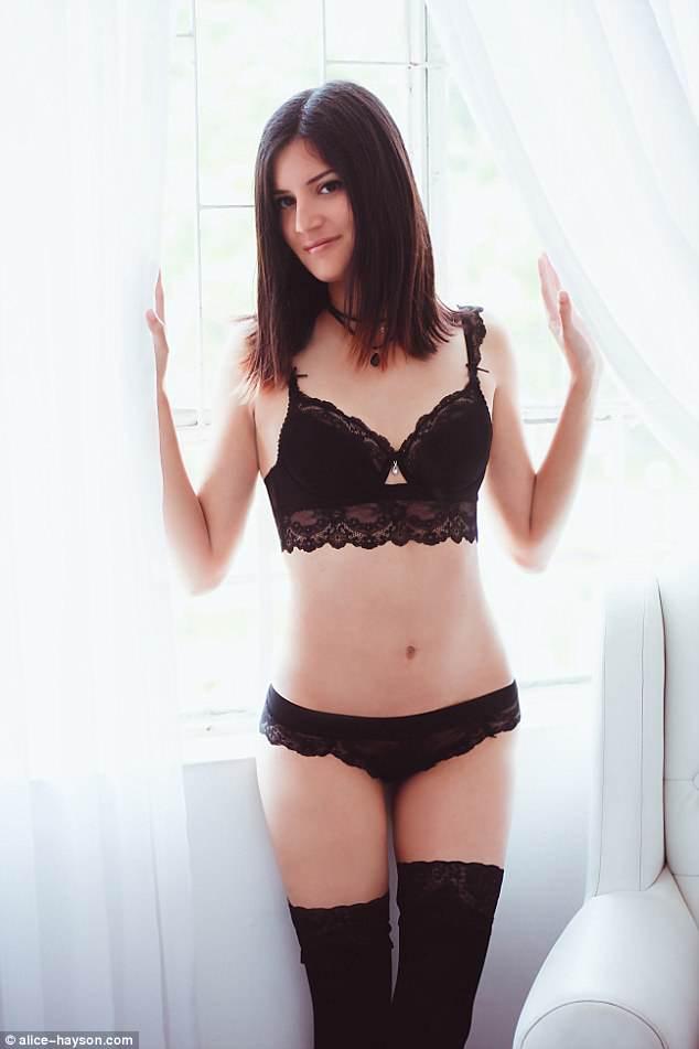 Η Alice Hayson, 19 ετών, που είναι αρχικά από την Ισπανία, πλειστηριασμός της παρθενίας της καθώς είναι πολύ απασχολημένος για να συναντήσει έναν φίλο, αλλά δεν έχει κανένα ενδιαφέρον να βρει ακόμα αγάπη