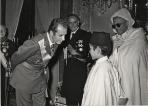 El rey Juan Carlos con el por entonces infante de Marruecos, Sidi Mohammed ben Hassan, hoy Mohamed VI. / Old Photograph Archive Spa