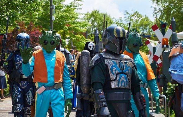 Miles de fans en todo el mundo se disfrazan de personajes de la saga