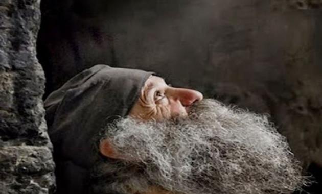 Αποτέλεσμα εικόνας για Oι εκτελεστές του ζήτησαν να σταματήσει να προσεύχεται για να τον πιάσουν οι σφαίρες!