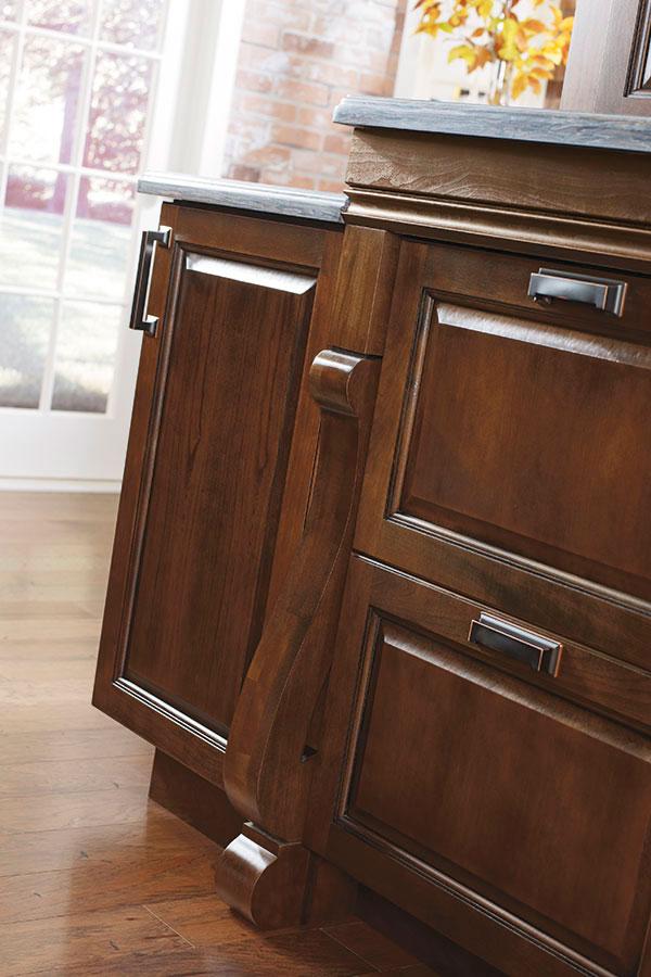 Baroque Cabinet Leg Diamond Cabinetry
