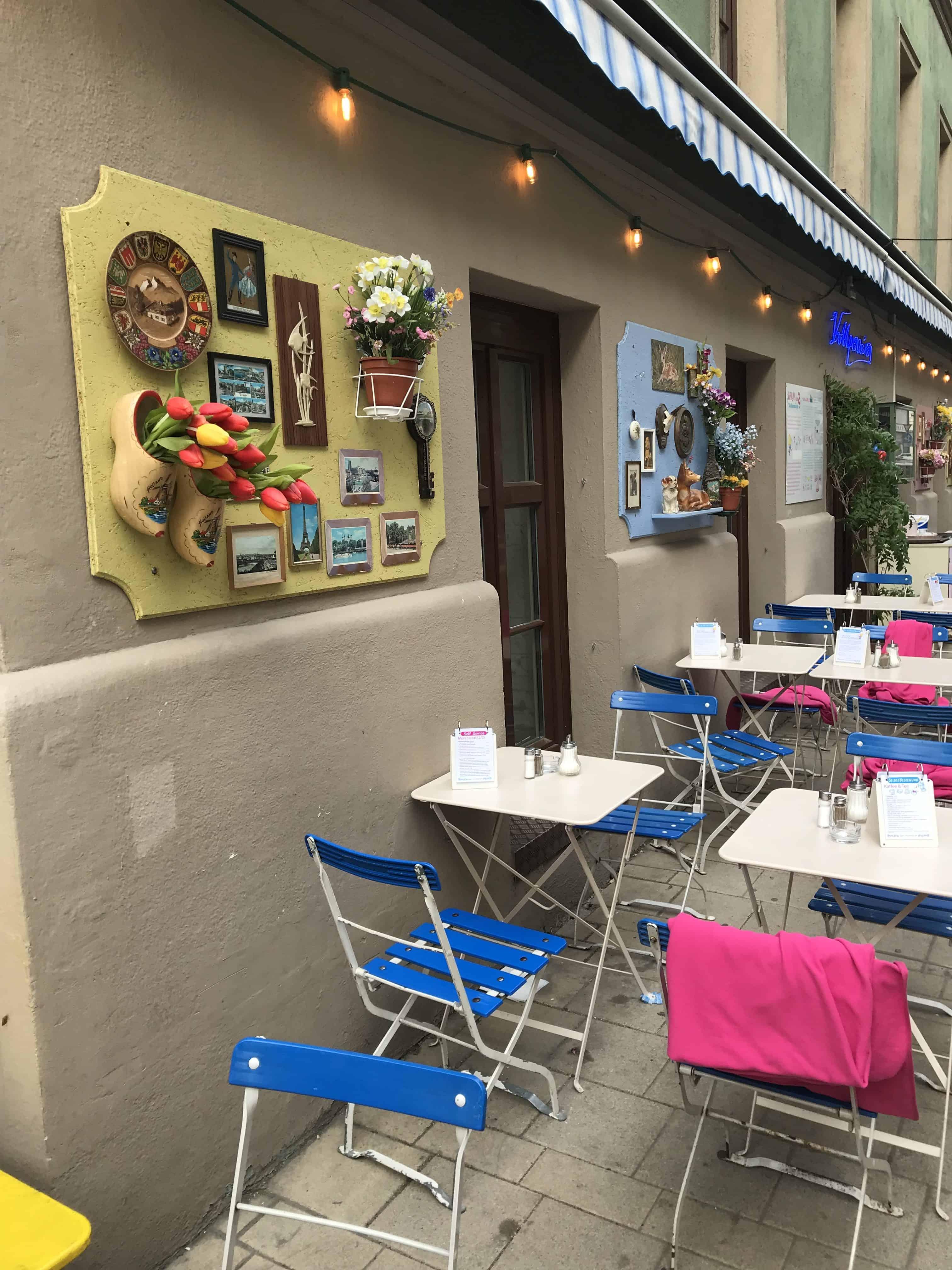 Kavárna Vollpension - exteriér