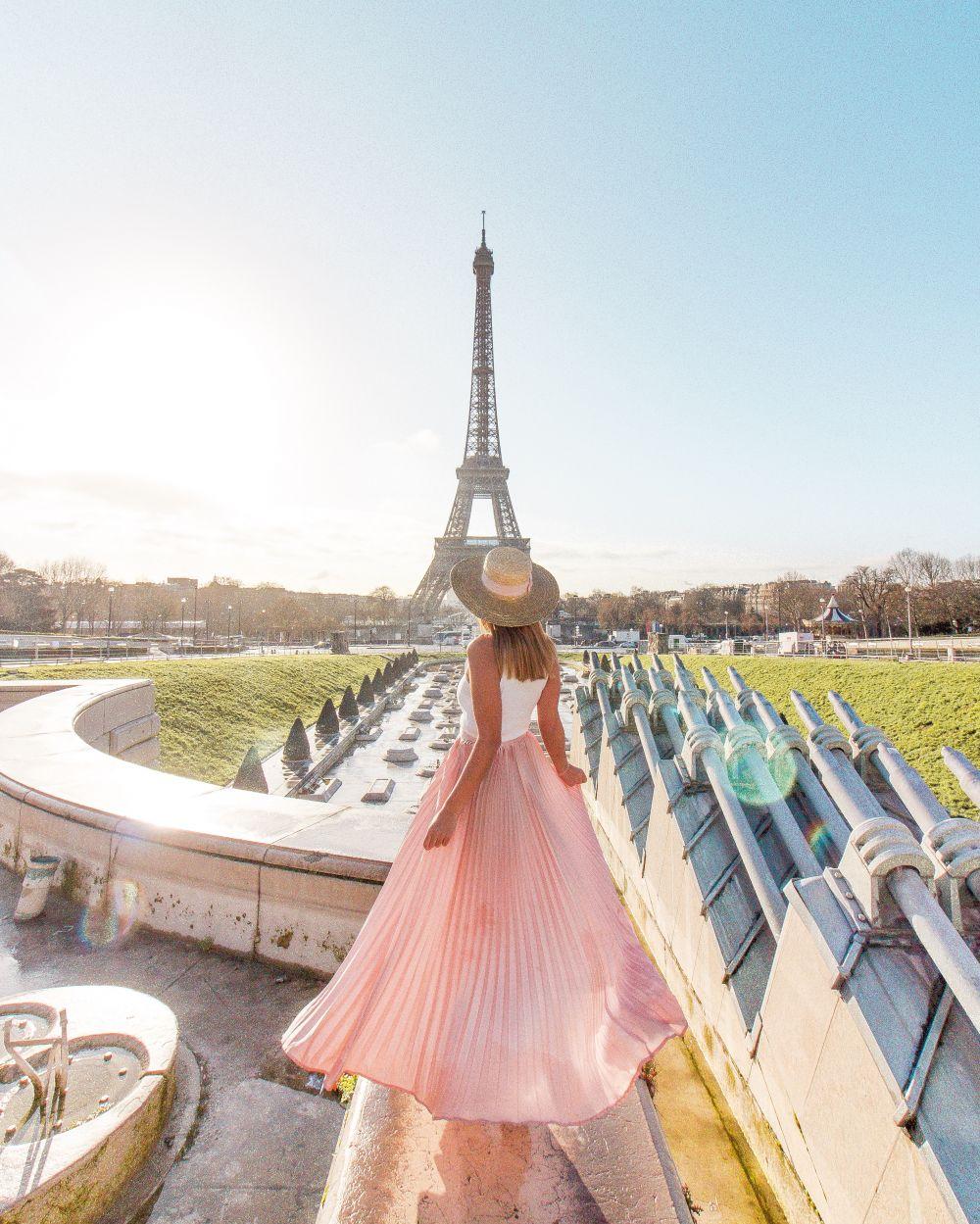Pink skirt Paris