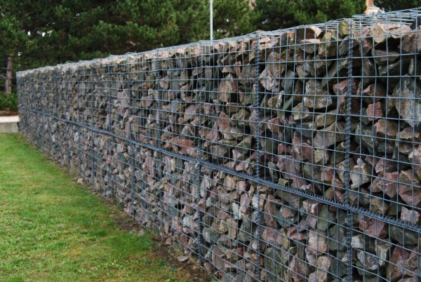 Backyard ideas for gabion walls diane and dean we used these pictures as inspiration to use gabions in our own backyard solutioingenieria Gallery
