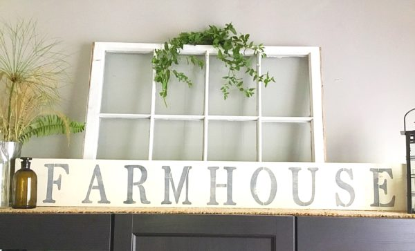 stenciled-farmhouse-sign