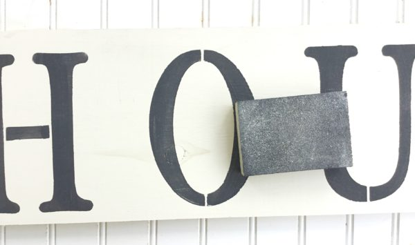 diy-farmhouse-style-wooden-sign
