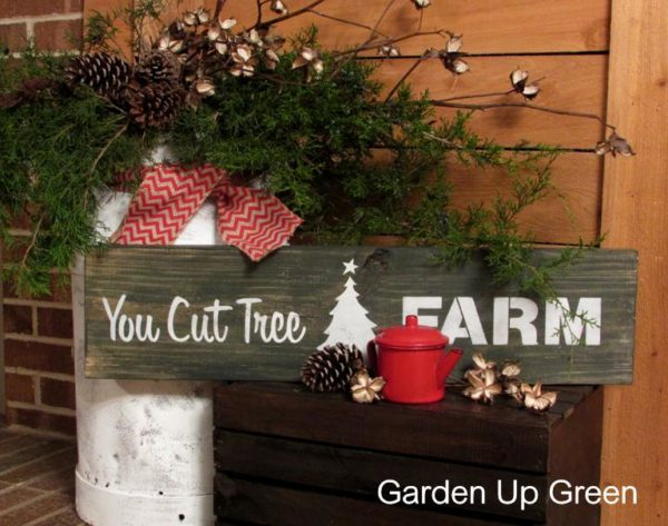 Christmas-stenciled-sign