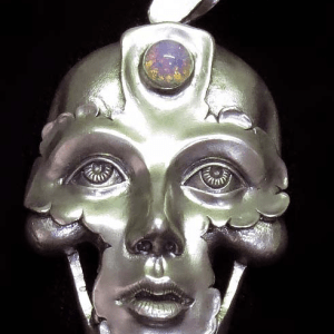 Silver pendant, with opal