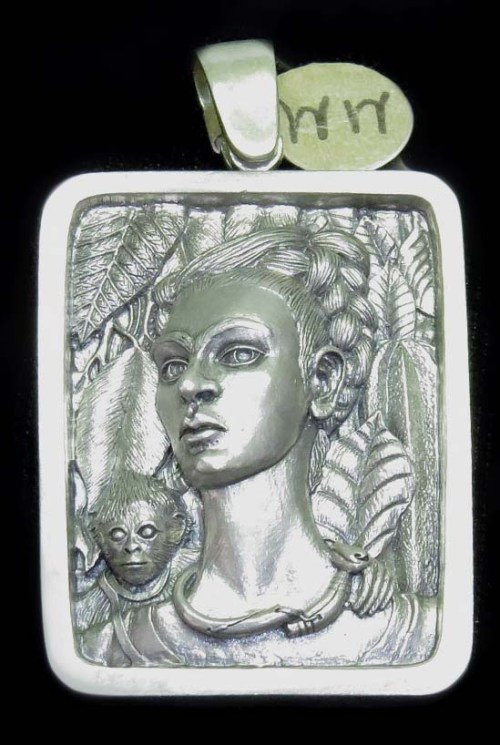 silver-pend-of Frida