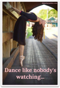 Whole-hearted life: Image of ballet dancer on pointe inside a covered bridge.