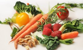 Aging Well 101: What to Eat, image of fruits and vegetables