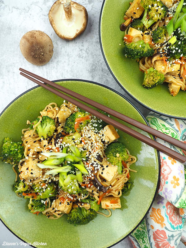 two bowls of stir-fry from above