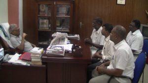 Koodankulam activists with V S Achuthanandan