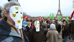 t1larg-paris-nuclear-protest
