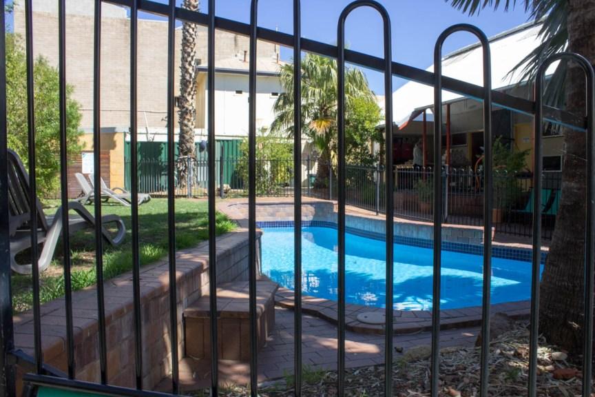 [img] Alice Springs YHA hostel review
