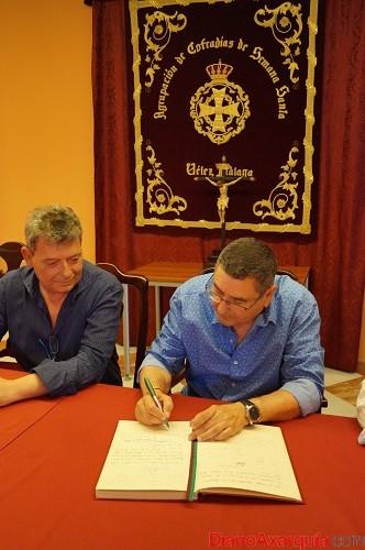 firma alcalde velez