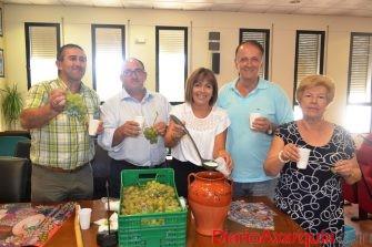 Almáchar repartirá 2.000 litros de ajoblanco en la 48 edición de su fiesta