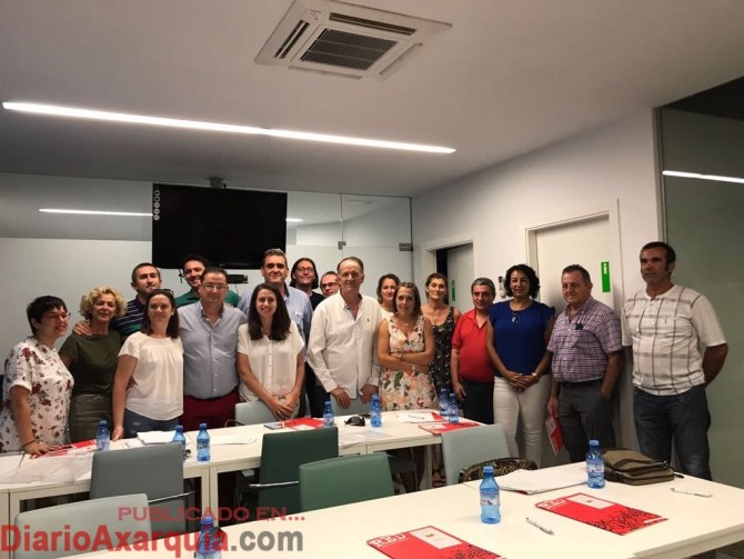 El coordinador comarcal junto a los miembros de la candidatura