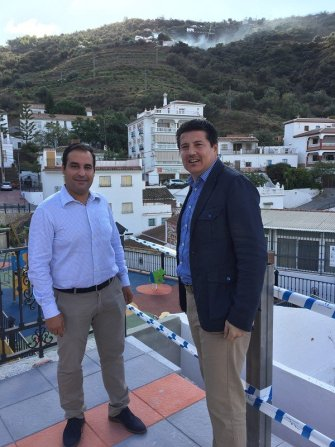 Oblaré y el alcalde de la localidad, Antonio Jesús Pérez González