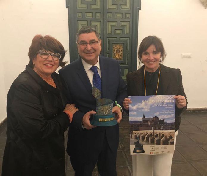Vélez recoge el galardón del proyecto del Centro de Iniciativas Empresariales del Mercado de San Francisco