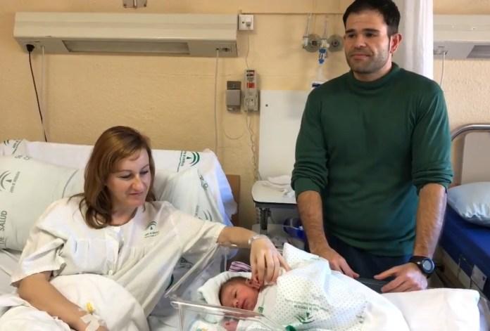El primer bebé andaluz de 2018 nace en Granada