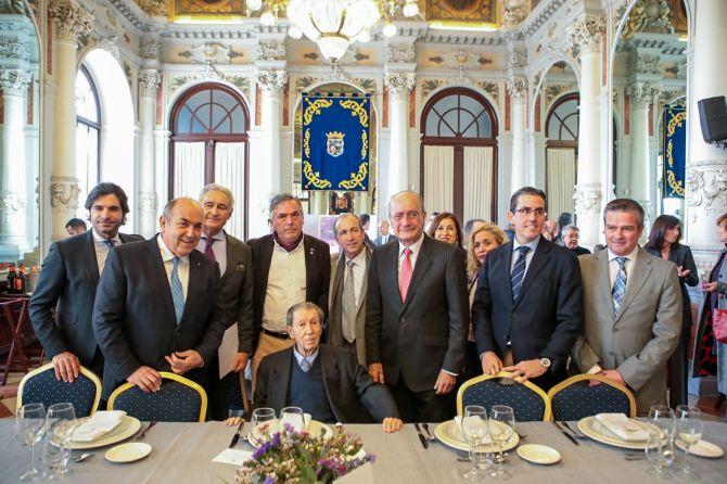 Amigos e instituciones homenajean Manuel Alcántara en su 90 cumpleaños