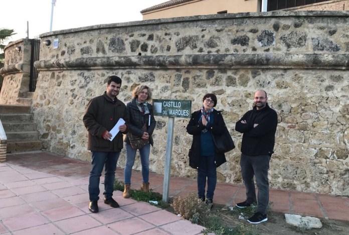 """Un centenar de estudiantes de la Escuela de Hostelería reclaman un """"paso seguro"""" por la carretera N-340 en Valle Niza"""