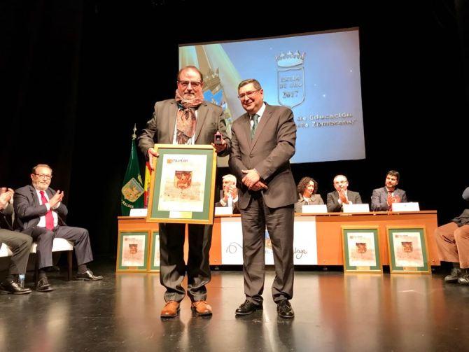 Centro Público de Educación de Personas Adultas (CEPER) 'María Zambrano'. Aranda dedicó el Escudo de Oro a toda la comunidad Educativa.