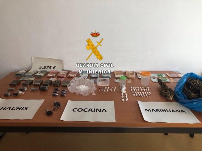 La Guardia Civil desarticula un punto de venta de droga en Manilva